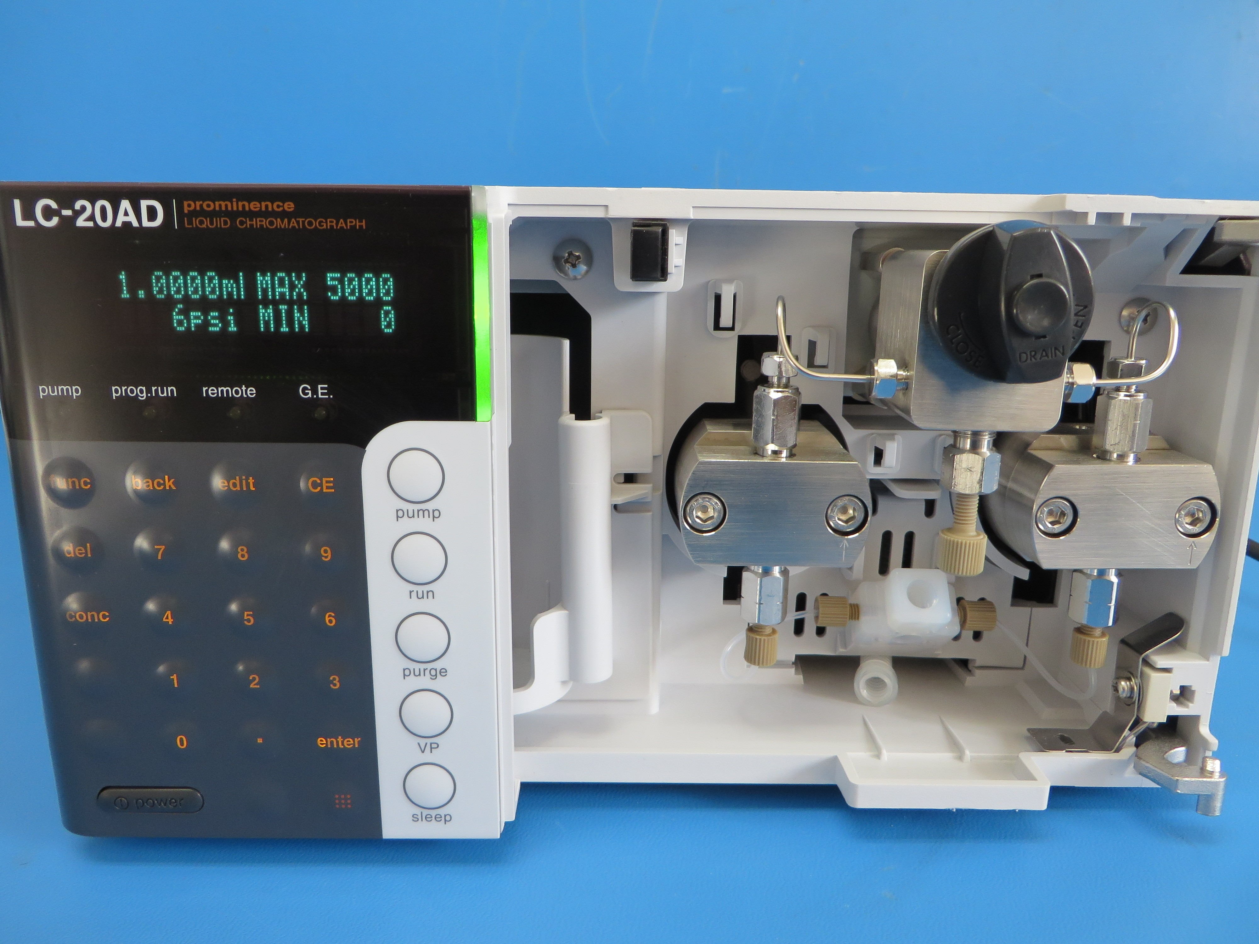 Shimadzu LC-20AD Prominence HPLC Pump part# 228-45000-32 - Missing