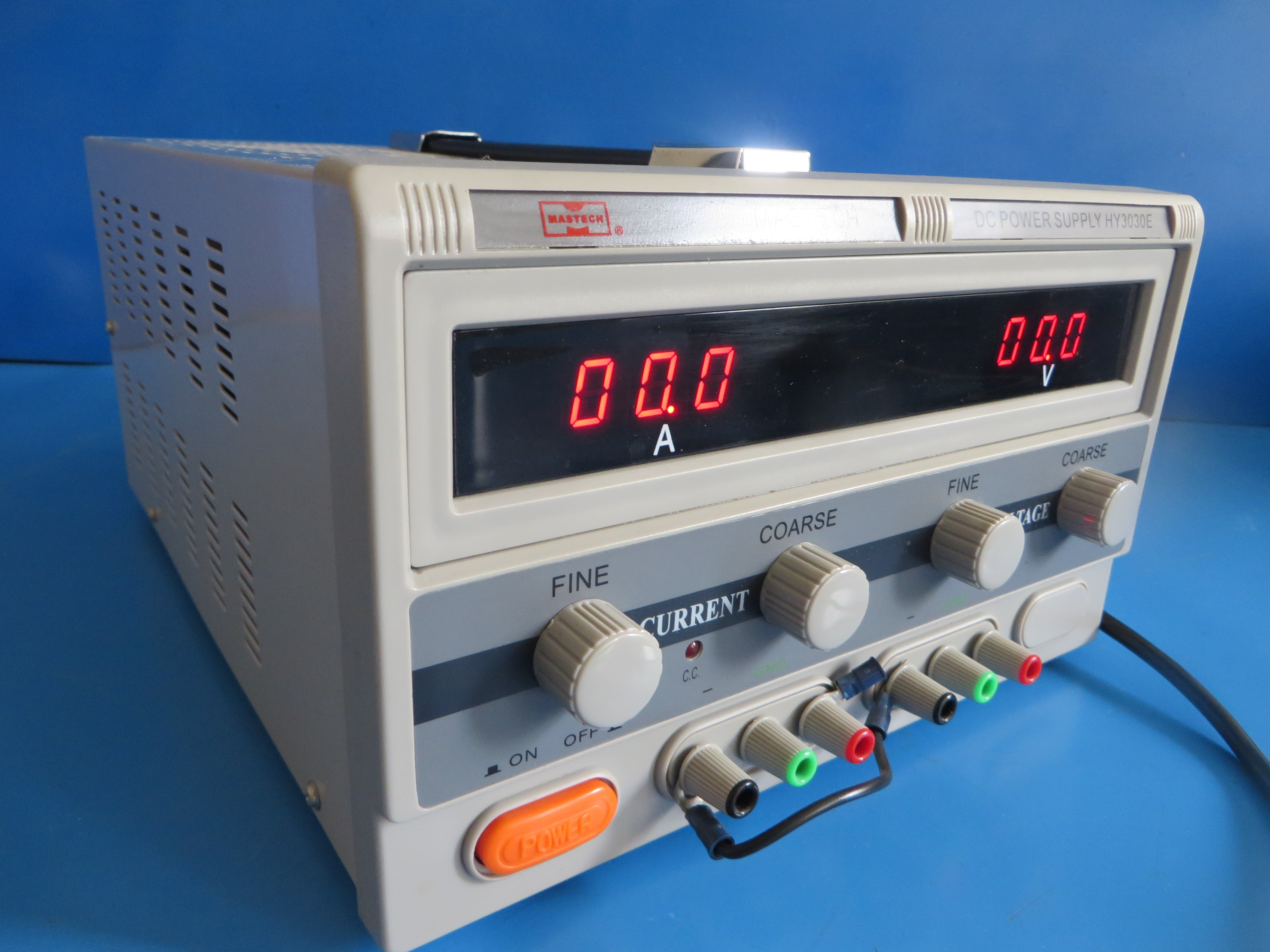 Mastech Hy3030e High Current Variable Regulated Dc Power Supply 30v 30a 900